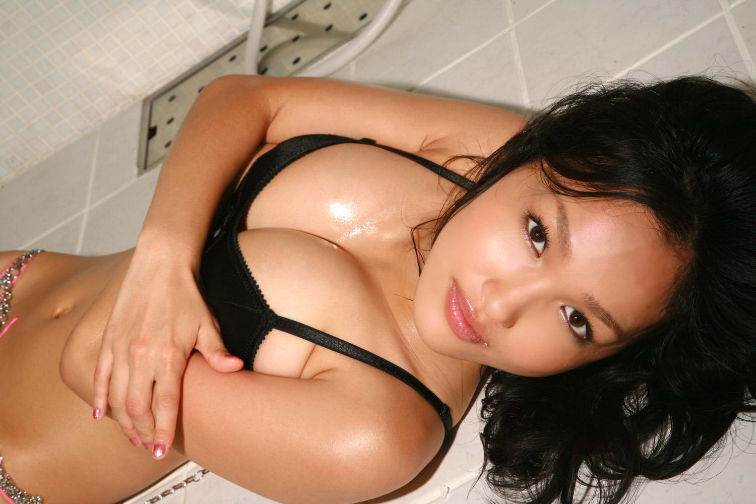 image Petite asian escort masseuse giving happy ending